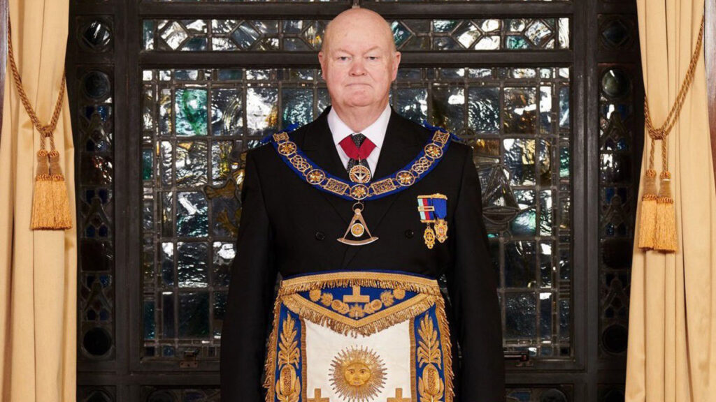 Pro Grand Master, Peter Lowndes